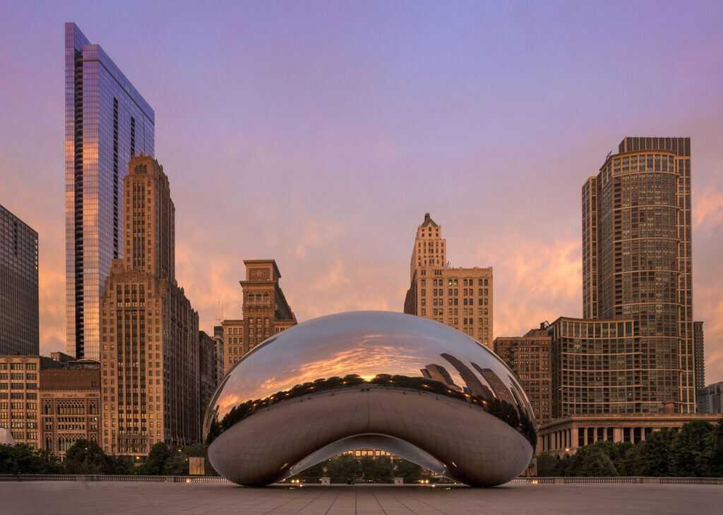 millennium-park-in-chicago-illinois-546716173-591b2c113df78cf5fa191b52